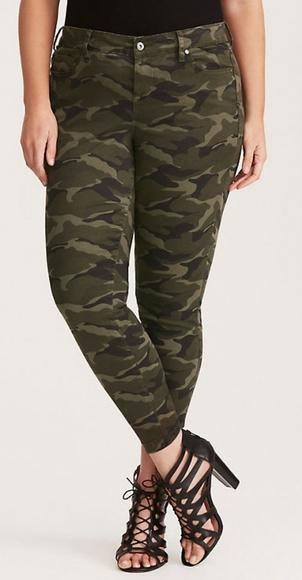 Torrid Camo Crop Skinny Jeans Size 14